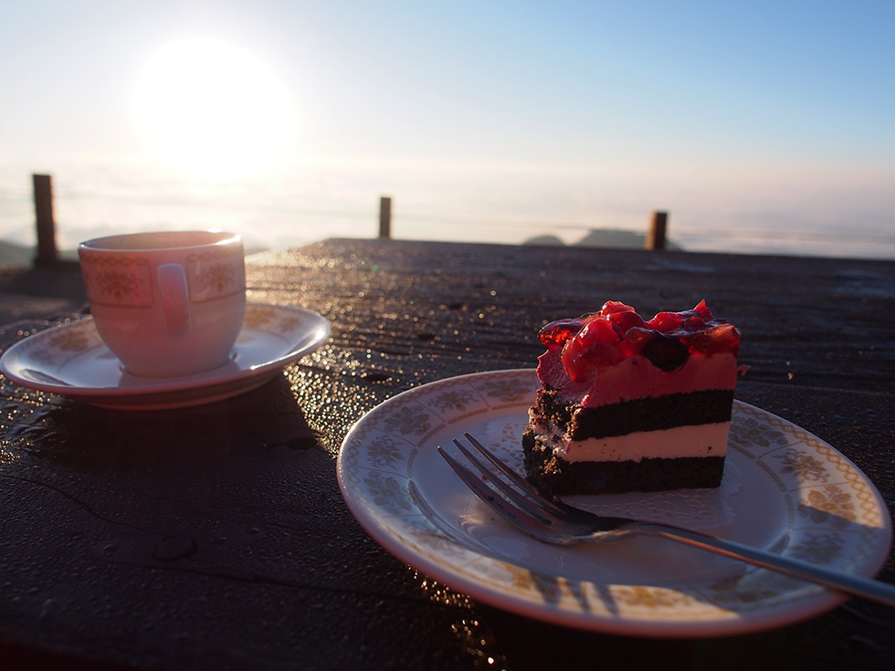enzansou_tubakuro_coffe_and_cake