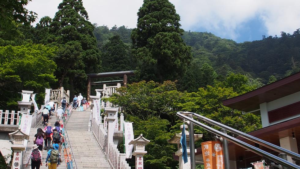 大山阿夫利神社 下社への階段