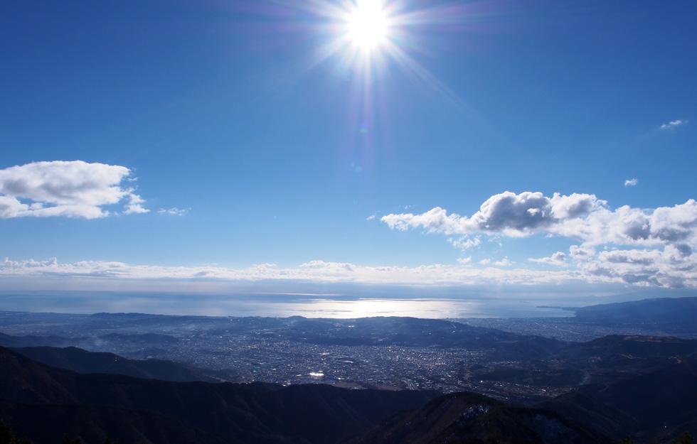 花立山荘から見る相模湾