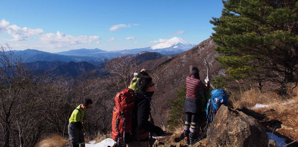 花立山荘付近から見る雪富士
