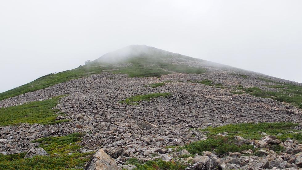 常念岳のガレ場