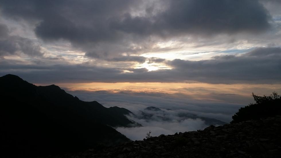 常念岳から見る日の出