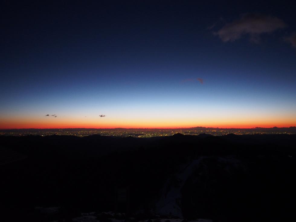 雲取山の夜明け