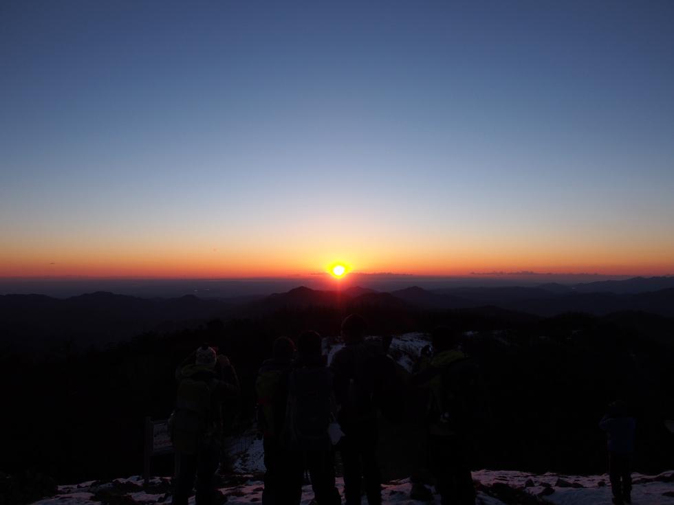 雲取山の日の出