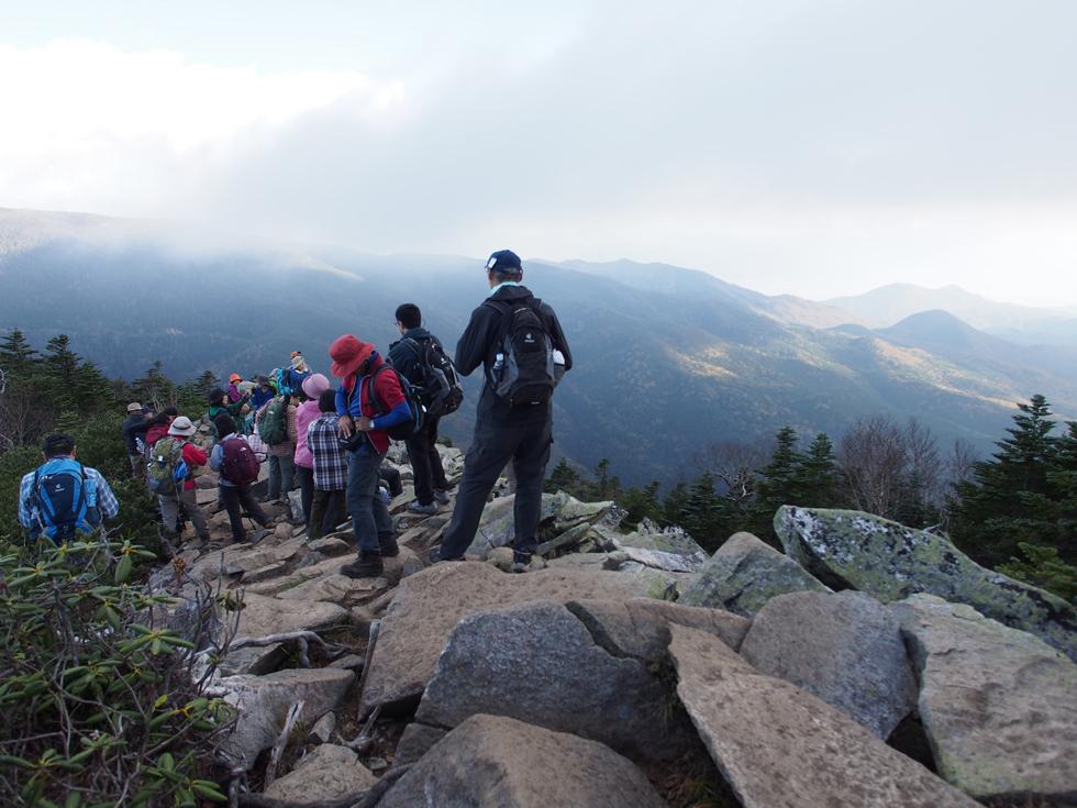 朝日岳のガレ場