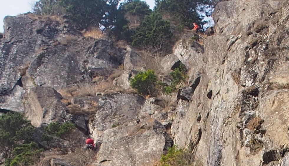 屏風岩でクライミング