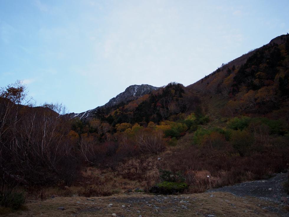 白根御池前から見る北岳
