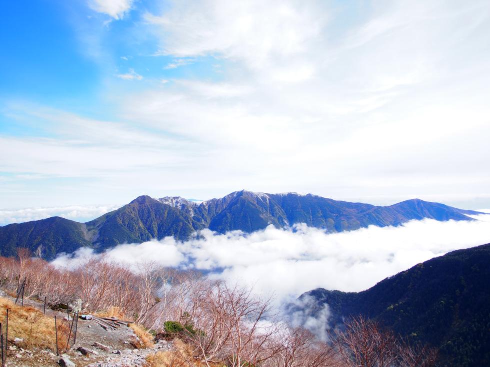 草すべりから見る鳳凰三山