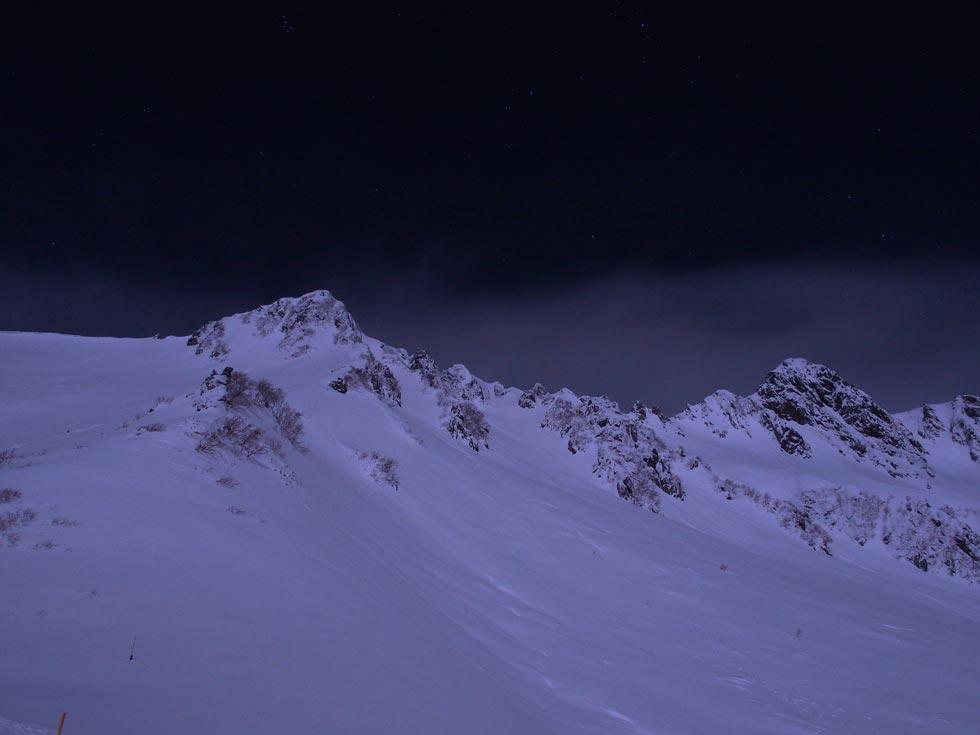 雪の夜の宝剣岳