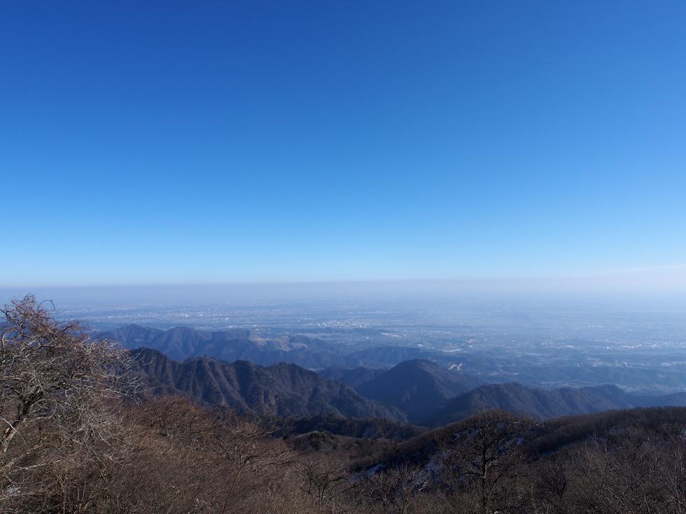 大山山頂 公衆トイレ前から見る景色