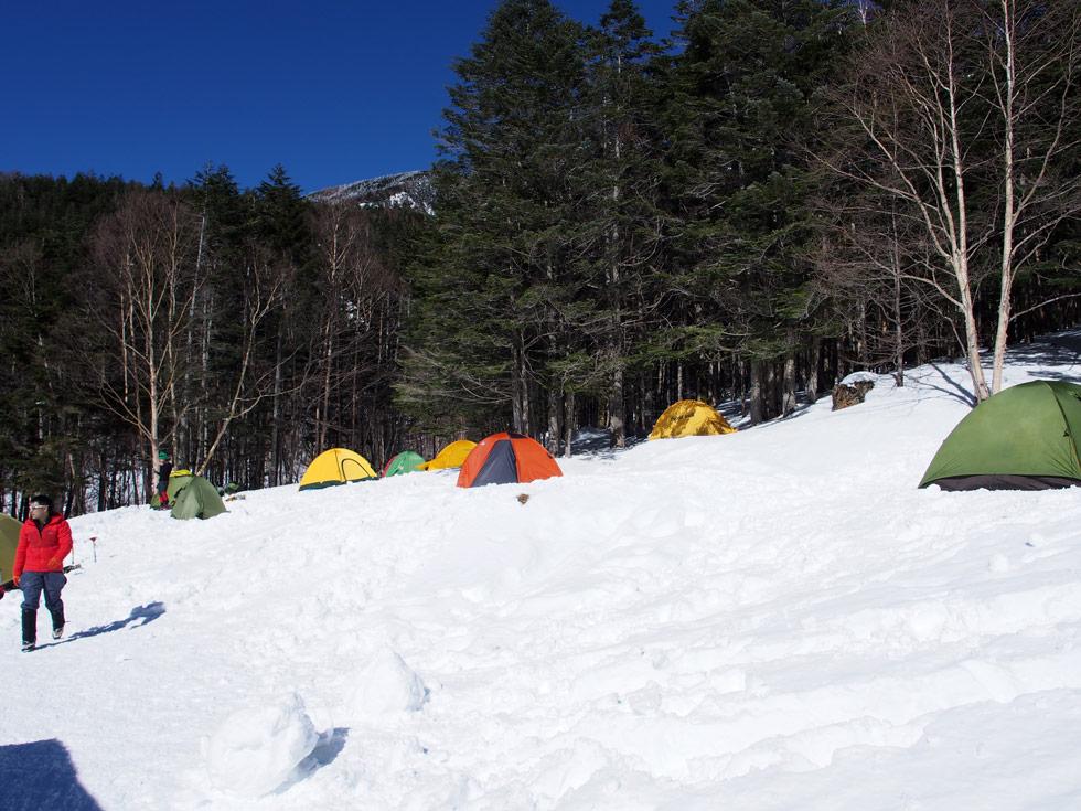 雪の赤岳鉱泉でテント泊