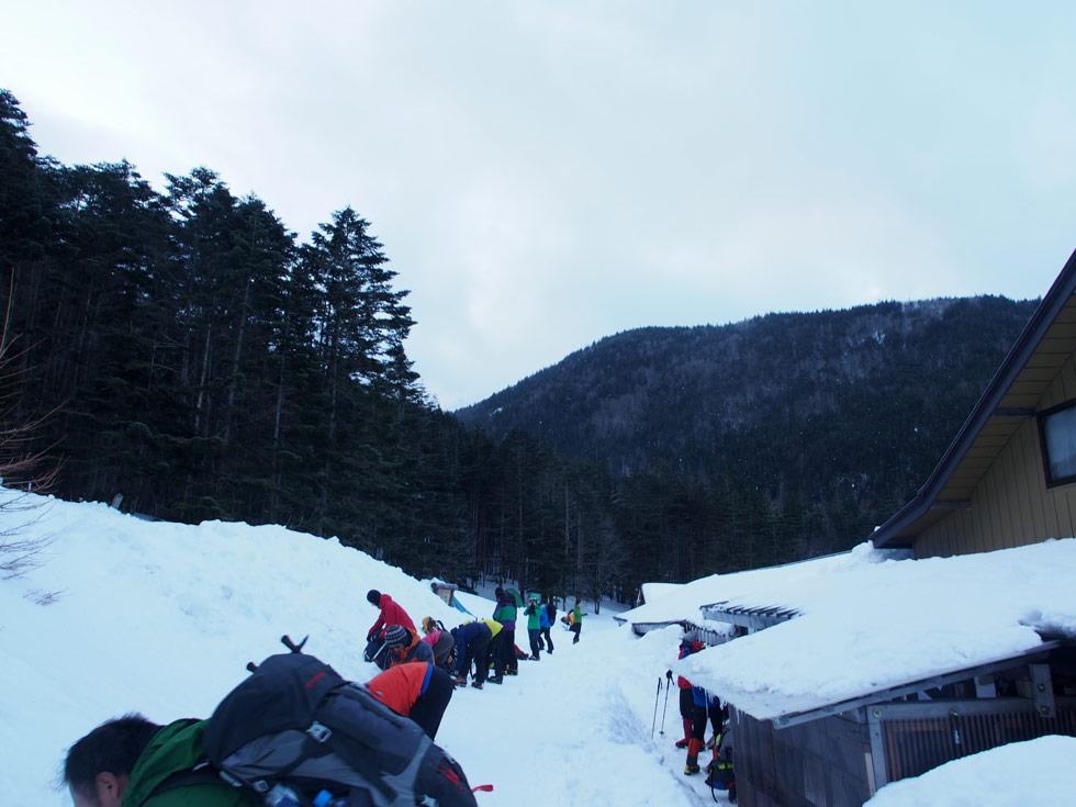 赤岳鉱泉前から硫黄岳を登る道