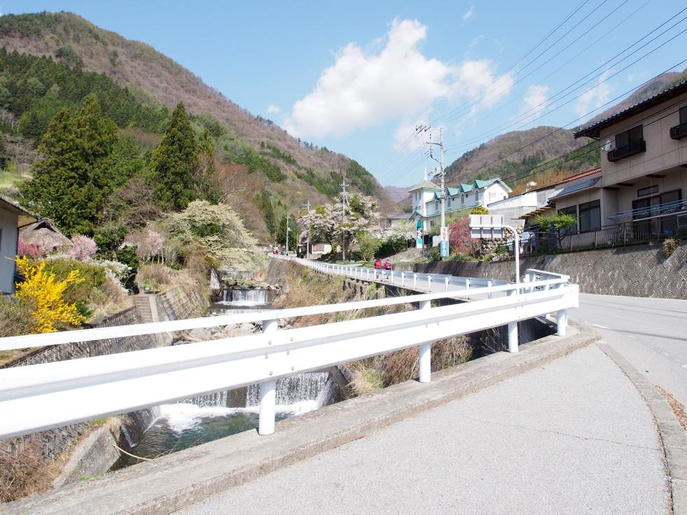 乾徳山 バス停付近