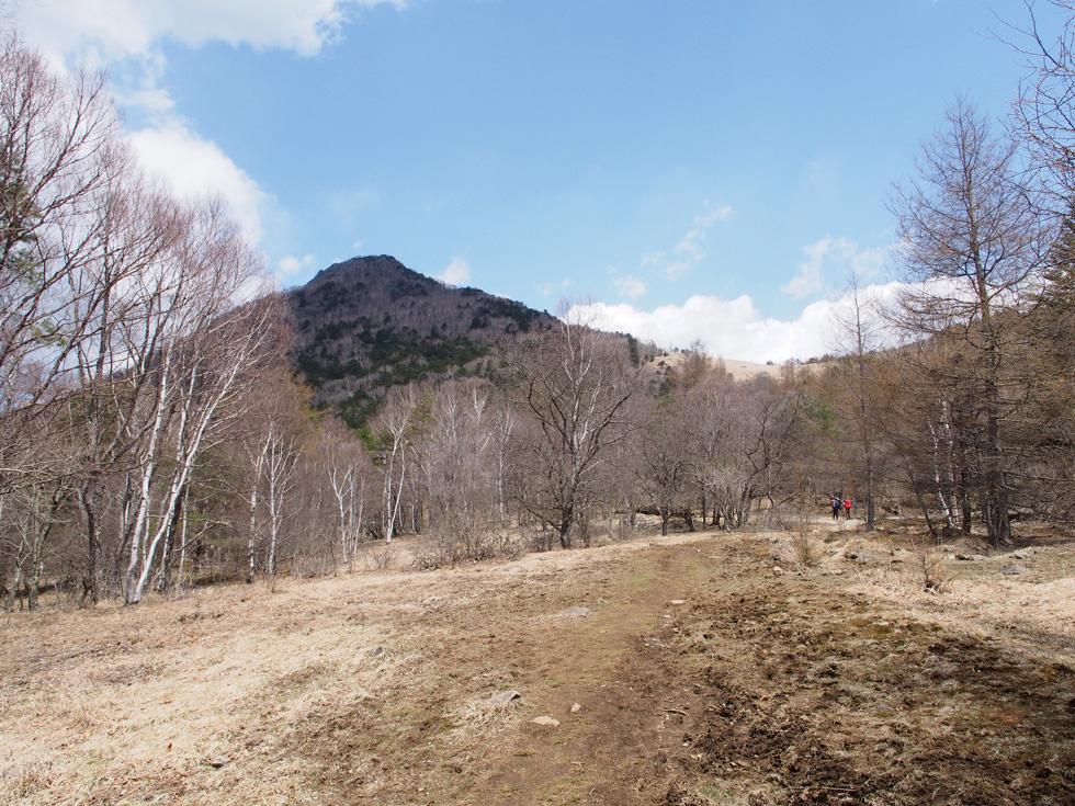 乾徳山が見えてきた