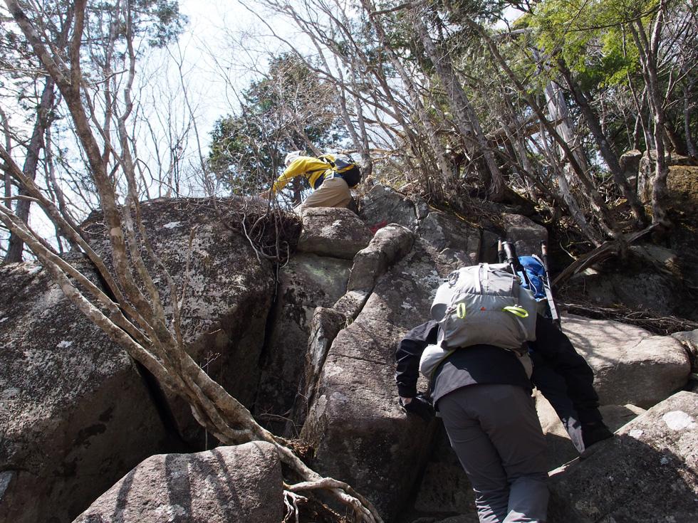 乾徳山 岩登り