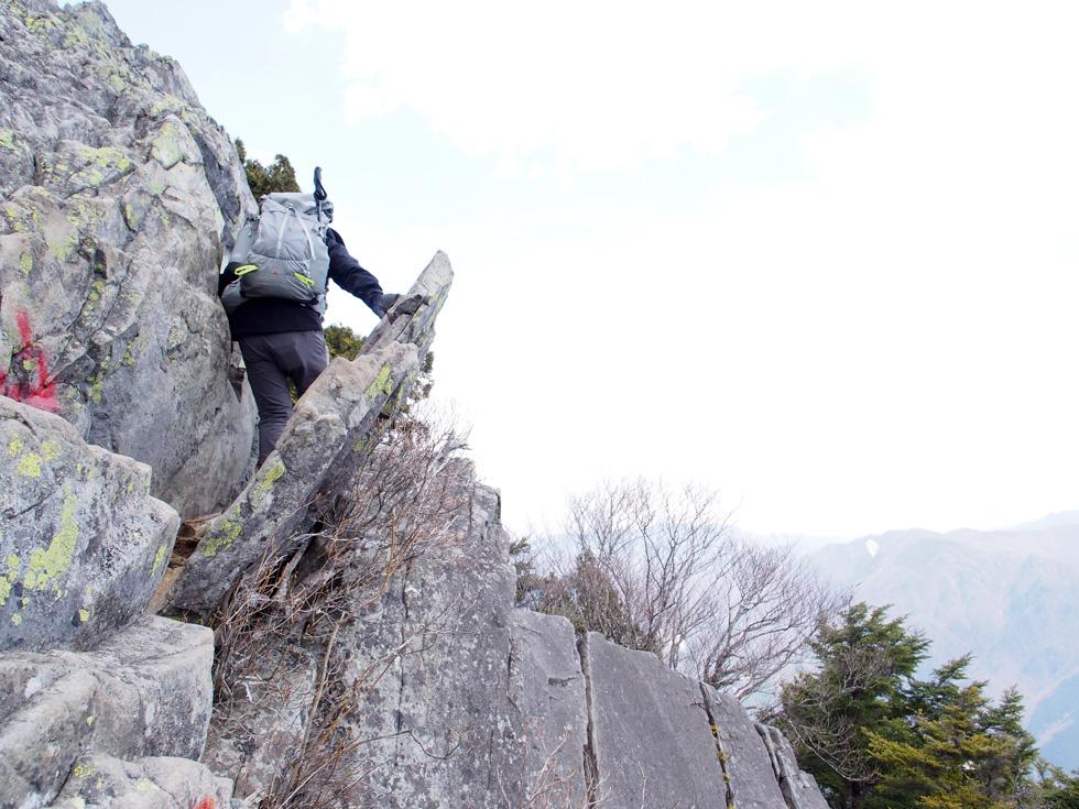 乾徳山の岩場
