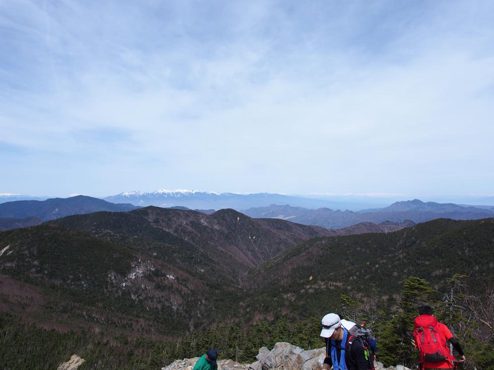 甲武信ヶ岳山頂から見る八ヶ岳