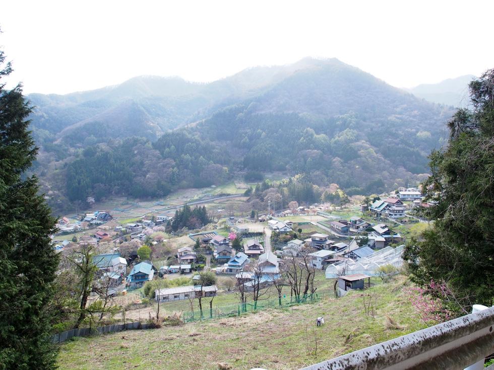 乾徳山の道満山登山口