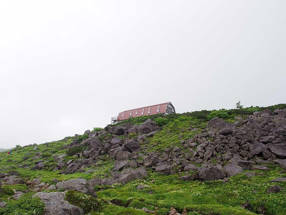 雲ノ平山荘が見えてきた!