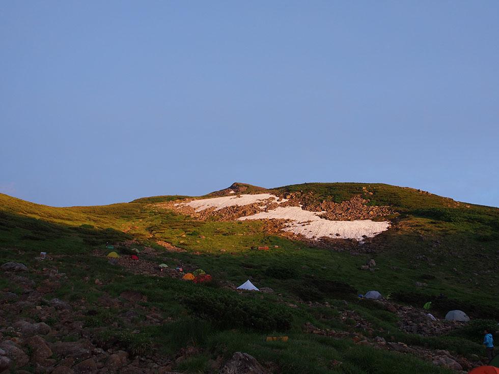 雲ノ平テント場から見る祖父岳