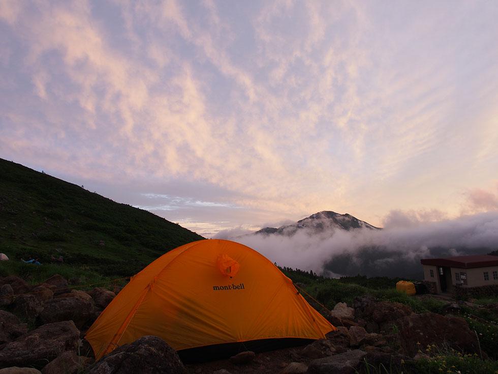 雲ノ平テント場から見る黒部五郎岳