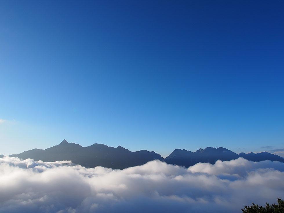 雲上の槍ヶ岳と穂高温泉