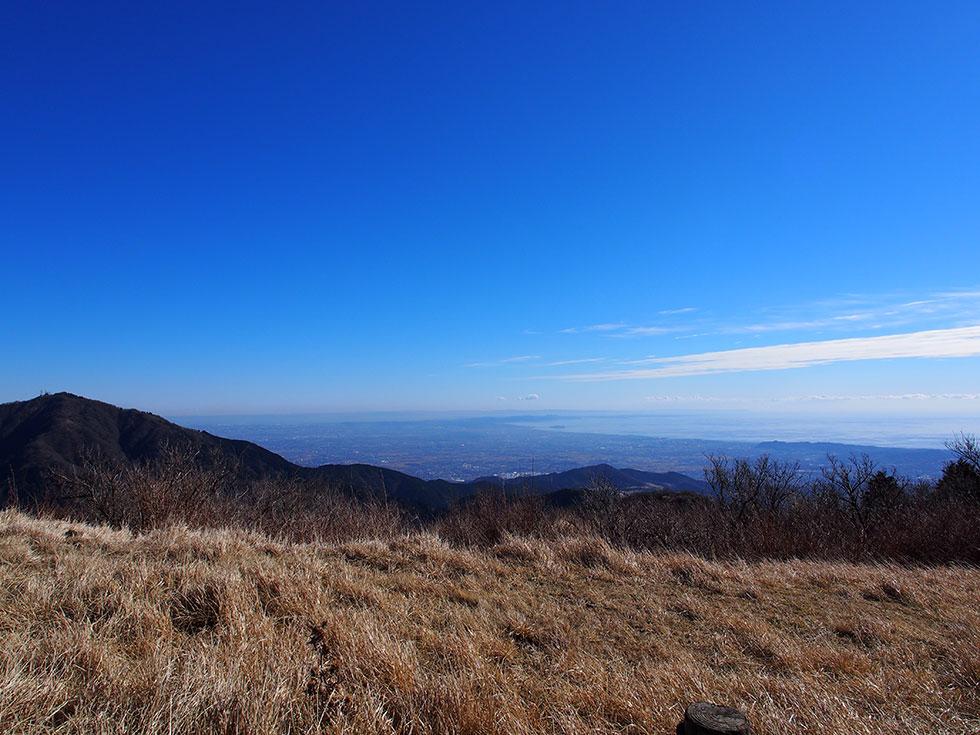 三ノ塔から見る湘南の海と大山
