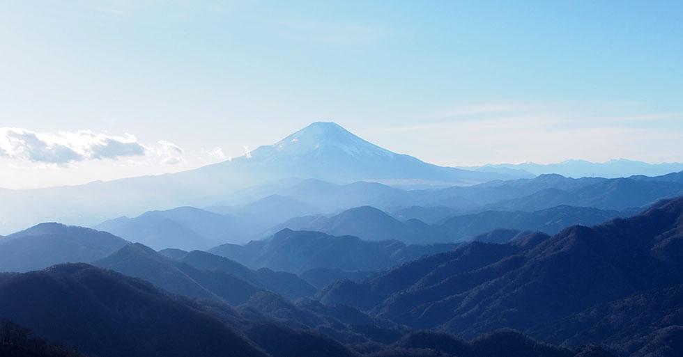 塔ノ岳山頂から見る富士山