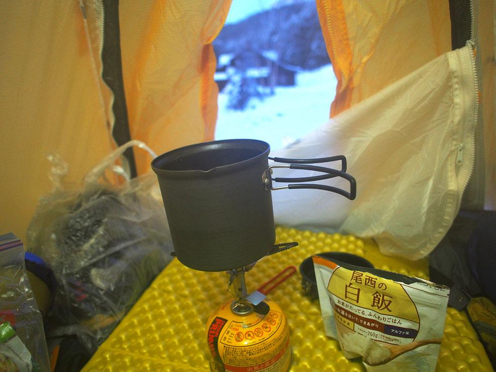 雪山テント泊のごはんの取り方