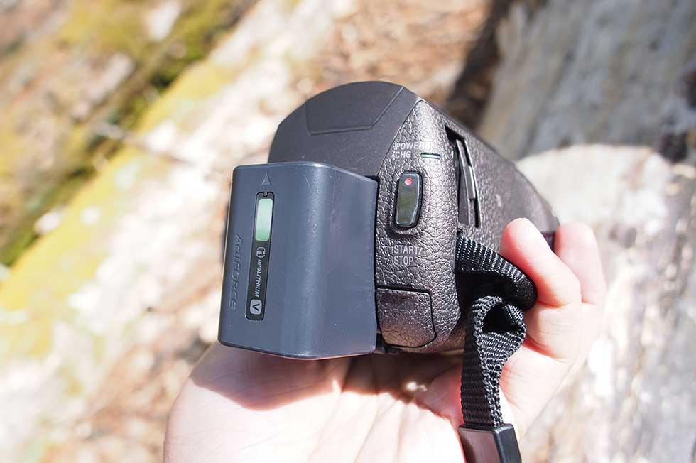 登山の撮影で使っているソニーのハンディーカム