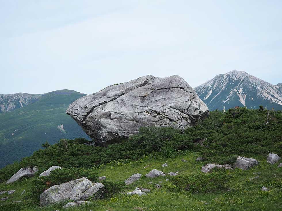 黒部五郎岳カールの巨石群