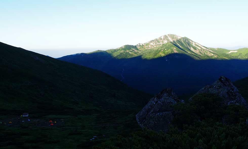 雲ノ平キャンプ場から見る黒部五郎岳