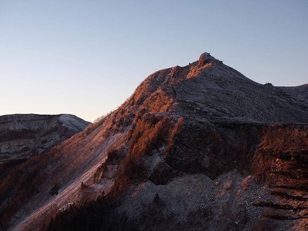 中山峠の展望台から見る天狗岳
