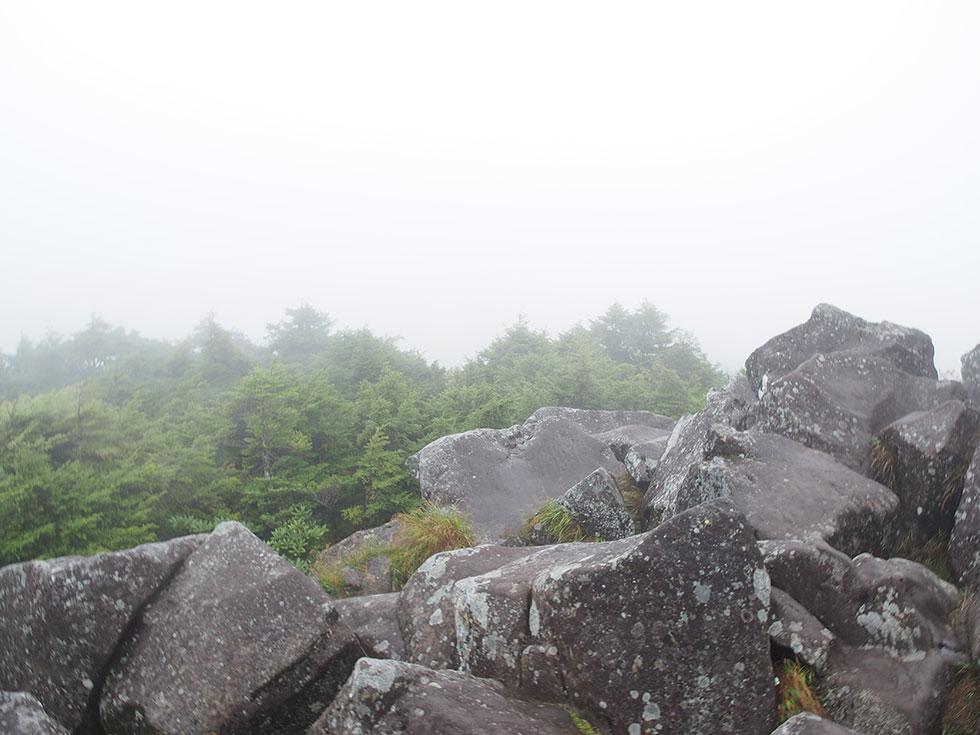 北八ヶ岳 駒の池テント泊 高見石
