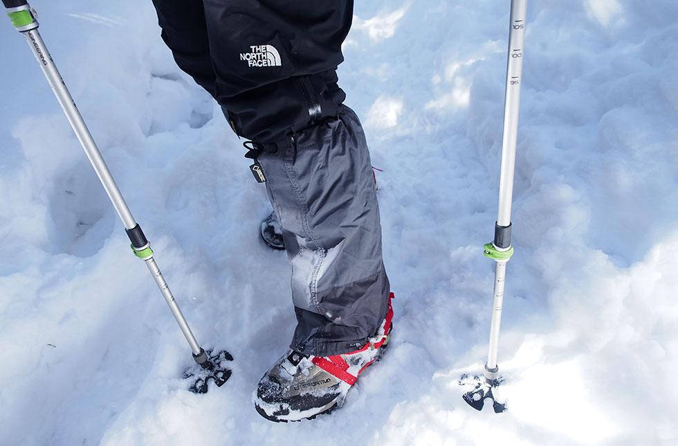 雪山装備・アイゼン、ゲーターとストック