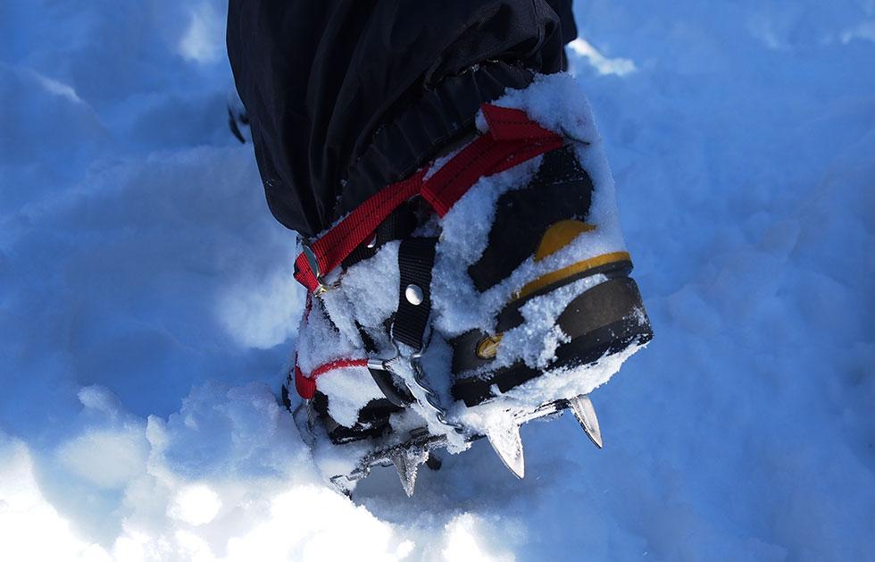 雪山登山 6本爪アイゼン