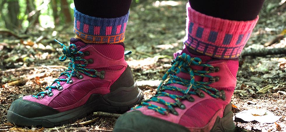 ハイカットの登山靴