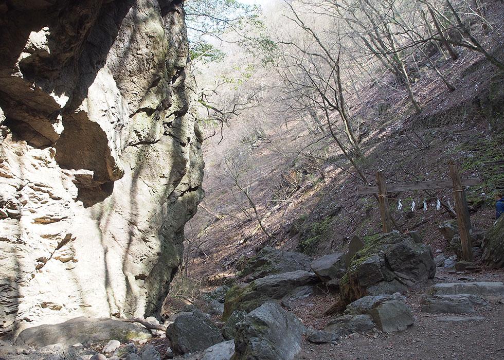奥多摩 御岳山ロックガーデン 綾広の滝