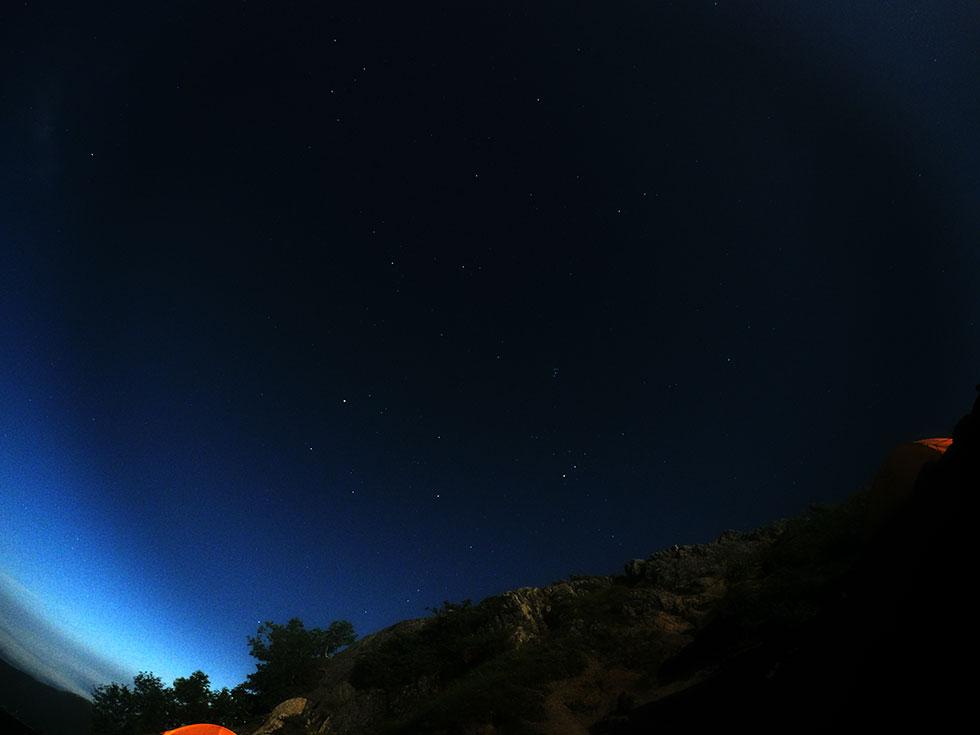 燕岳から見た夜空の星々