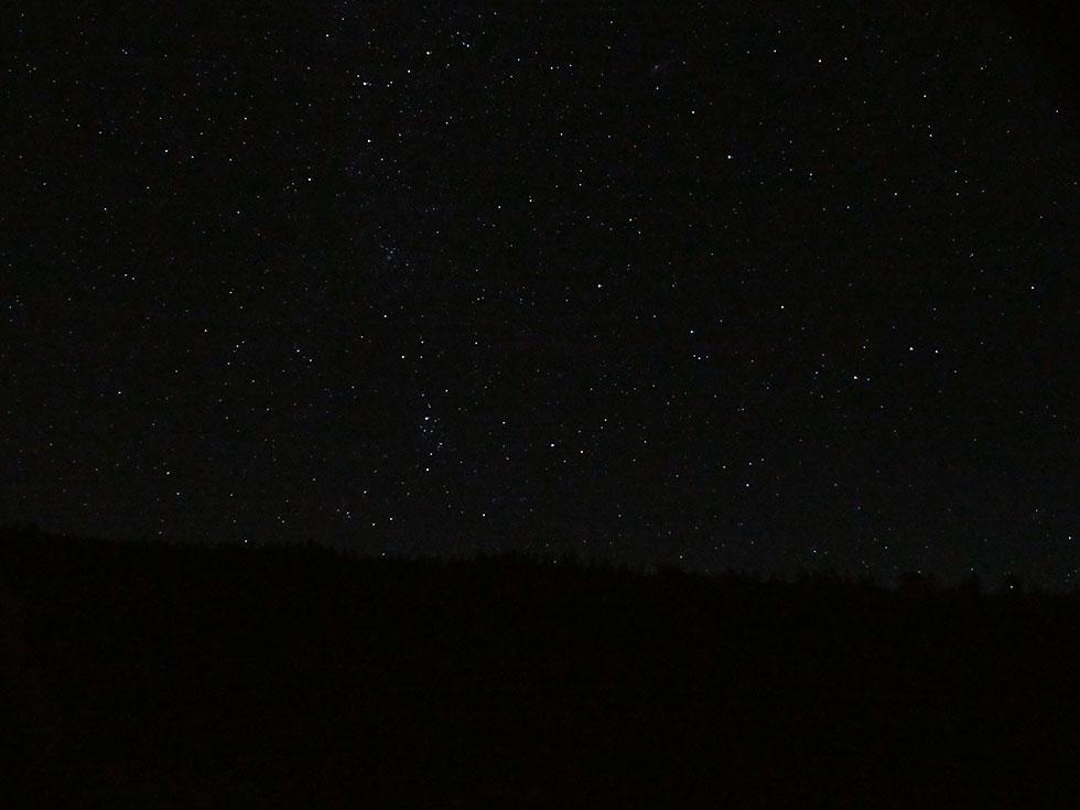 薬師沢キャンプ場から見た夜空の星々
